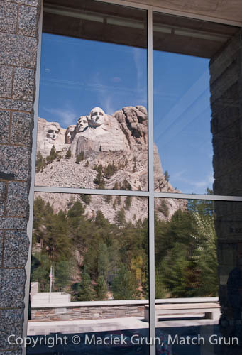 0923-0022-Reflections-Of-The-Four-Presidents