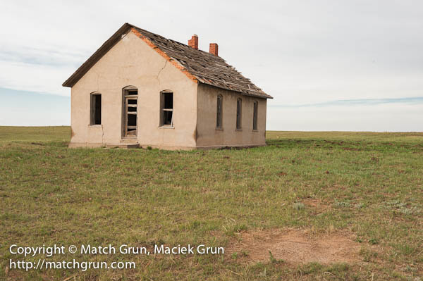 1154-0039-Abandoned-Ranch-House-On-85-Road