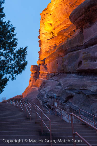 1233-0135-Rock-Wall-Stairs-And-Railings-Red-Rocks