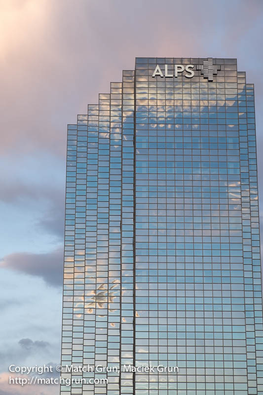 1536-0048-Alps-Building-At-Sunset