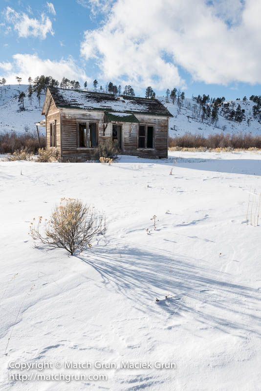 1708-0038-Abandoned-House-La-Veta-Pass