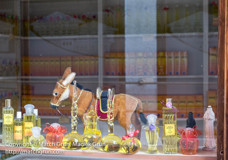 1835-0067-Perfume-Bottles-And-Donkey-In-Window-Safranbolu