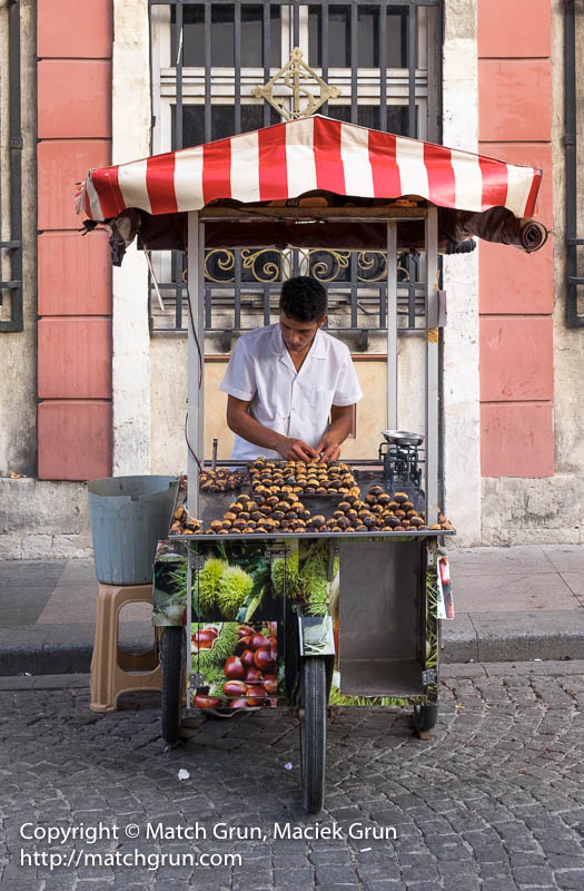 1836-0035-Roast-Chestnut-Vendor