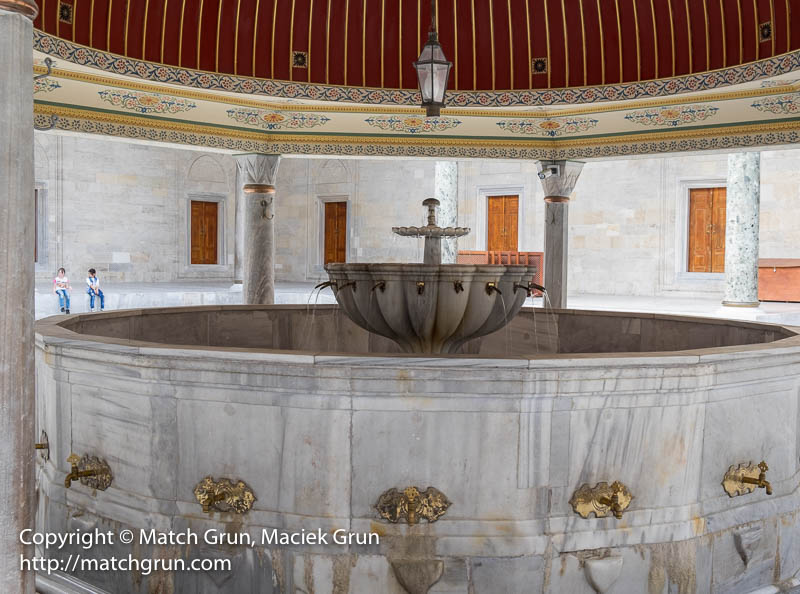 1838-0152-Ablution-Fountain-Fatih-Mosque