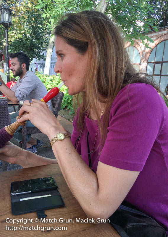 ip6s-1111-Susan-With-Hookah-Istanbul