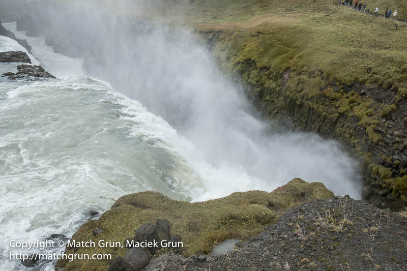 2000-0057-Over-The-Edge-Of-The-Chasm-Gulfoss